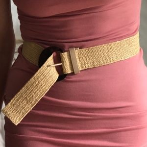 Tortoise Buckle Belt in NATURAL Seagrass